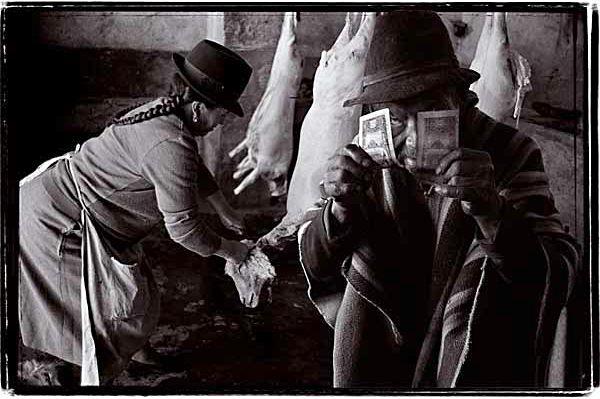 ¿Dónde está el dinero? © Pedro Meyer 1985-2000