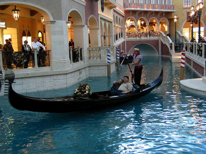 The Venetian, Las Vegas © Pedro Meyer, 2001