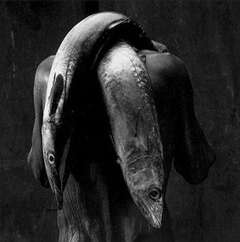 Hombre con pescado (1992)